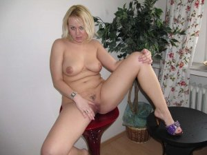 Marlise midget escorts in Fridley, MN